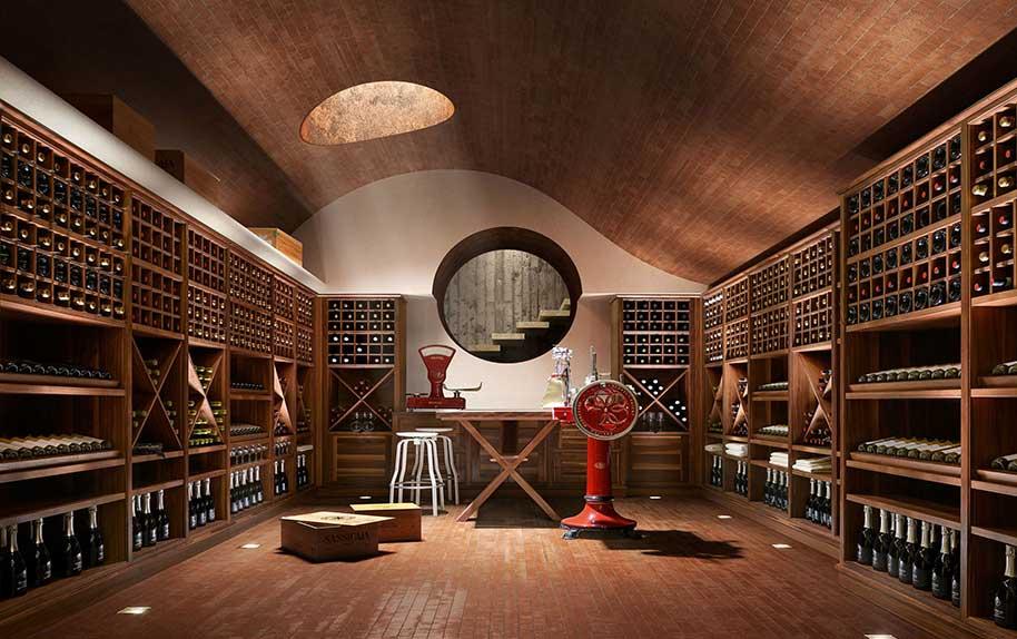 Arredamenti per cantine vini for Arredamento cantina