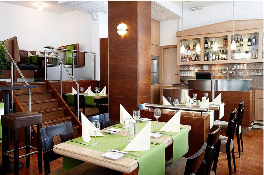 Produzione mobili e arredi per il tuo ristorante o pizzeria for Arredamento foto
