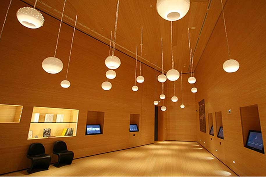 Rivestimenti interni in legno per hotel boiseries su misura - Rivestimenti legno interni ...