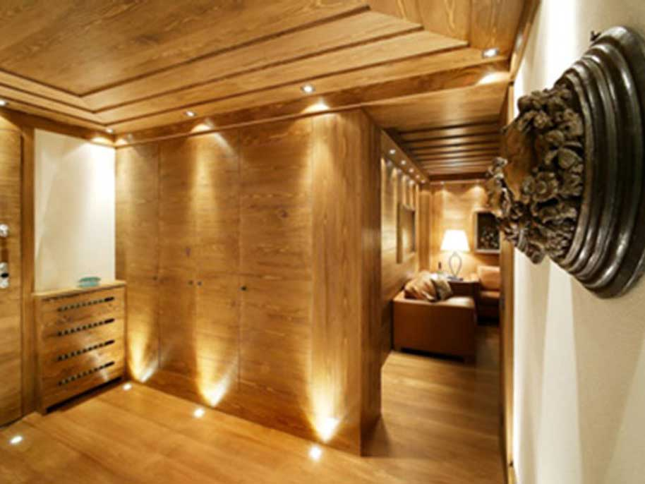 Soffitti In Legno Moderni : Travi di legno in bianco luci